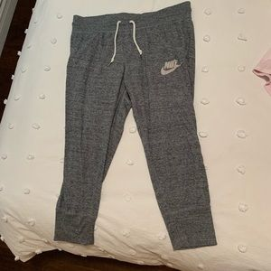 Grey nike cropped sweatpants